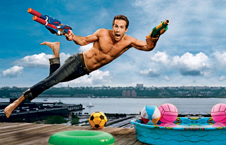 ryan-reynolds-shirtless-ew